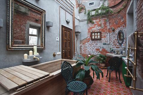 Уникальная двухкомнатная квартира в Хамовниках