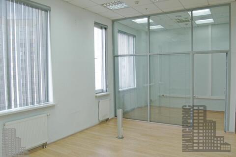 Офис 50м с ремонтом и мебелью в круглосуточном офисном центре у метро
