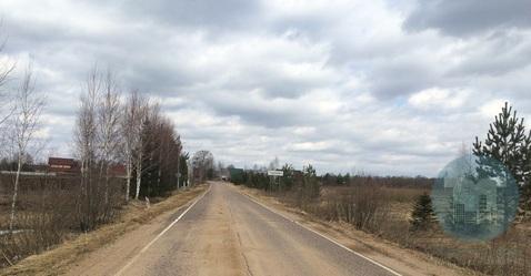 Продается земельный участок в деревне.