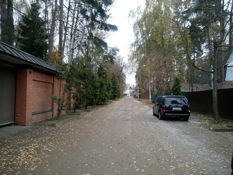 Продается участок 6 соток в Малаховке, с частью дома