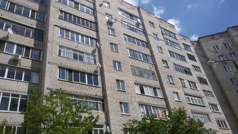 1 квартира п.Белоозерский на 4 этаже с большой Лоджией и кухней 8 м