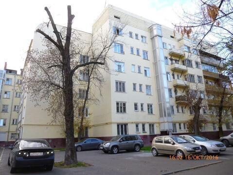 """Дом в Лефортово с собственным сквером, памятником и """"кораблём"""""""