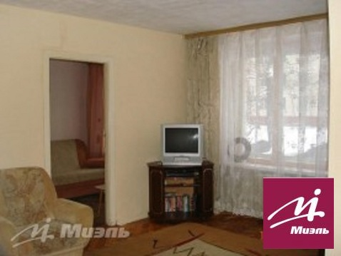 Продажа комнаты в трехкомнатной квартире