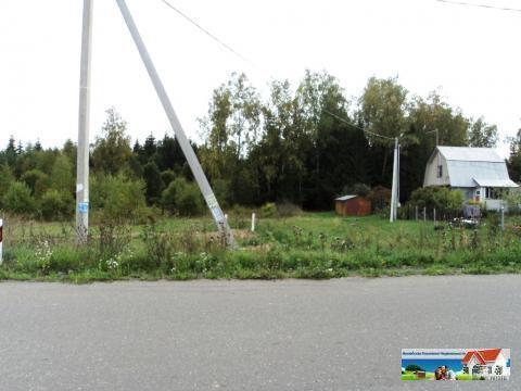 Участок 17 соток в хорошей тупиковой деревне, асфальт, свет, газ.