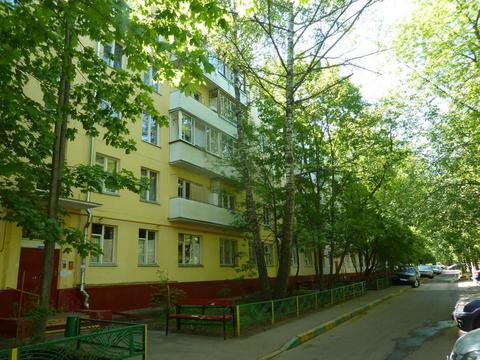 Продается 1 ком кв-ра Героев Панфиловцев 27к4