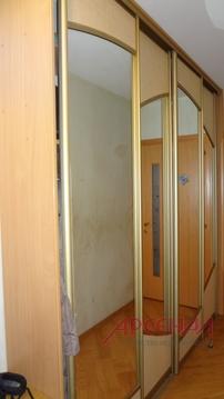 Продается трехкомнатная квартира 49 кв.м. в шаговой доступности от .