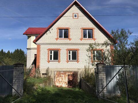 Большой дом в деревне, 3 этажа.