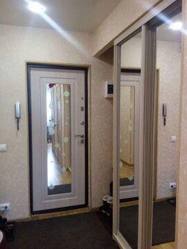 Квартира с высококачественным ремонтом и обстановкой готова принять .