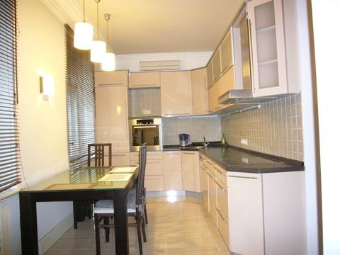 Продается 3-х комнатная квартира в центре Москвы