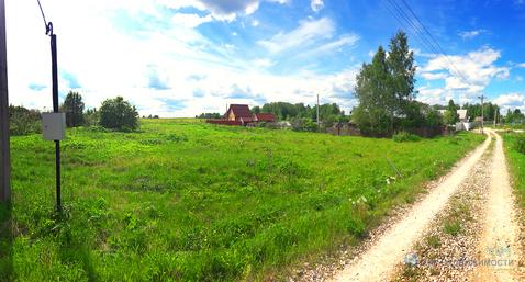 Земельный участок в деревне Бухолово Шаховского района. Лес. Водоем.