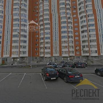 Продаётся 2-комнатная квартира по адресу Защитников Москвы 8