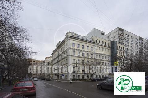 Предлагаем в аренду офисное помещение в центре столицы на 4-ом этаже о