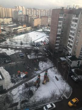 Продаю четырехкомнатную квартиру рядом С метро жулебино