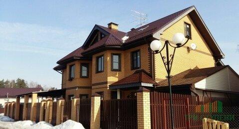 Продается большой дом в коттеджном поселке