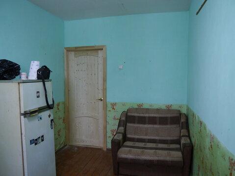 Продается комната в 2-х комнатной квартире.