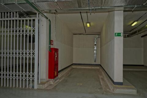 Машиноместо в подземном паркинге ЖК Янтарный город