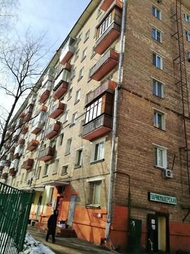 Двухкомнатная квартира в тихом зеленом районе Москвы