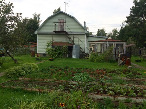 Дом с участком в п.Кокошкино, Новая Москва.1 линия от ж/д