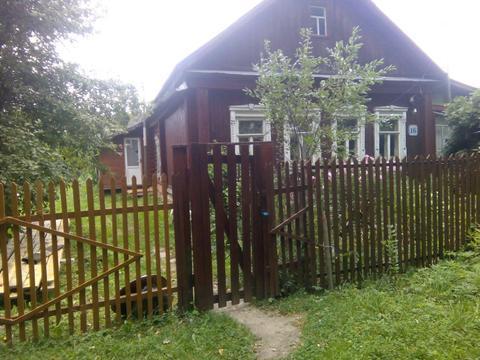 Продается большой уасток земли с частью дома в д. Костино Рузский р.