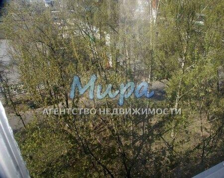 В 10 минутах пешком платформа Сколково (бывш. Востряково), до Киевско
