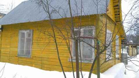 Продается летний домик на участке 8 соток, газ по границе