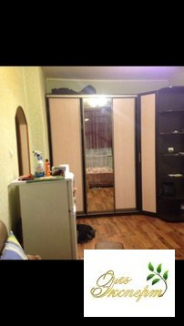 Продаётся комната в трёхкомнатной квартире.