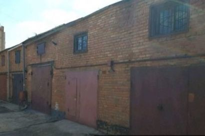 Продам гараж в Коммунарке в гаражном кооперативе