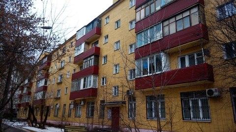 Продам 1-комнатую кв на Железнодорожном пр. д.7, 4 эт. центр 2,4 млн