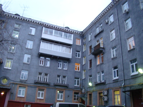 Предлагаю 3-х комнатную квартиру м. Аэропорт в сталинском доме