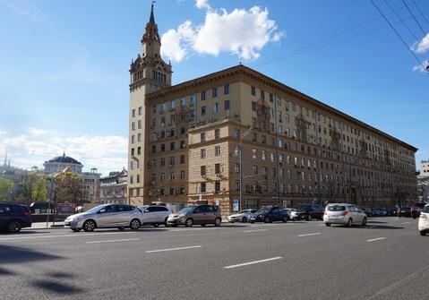 Двухкомнатная квартира 66м2 в фасадном сталинском доме, м.Смоленская
