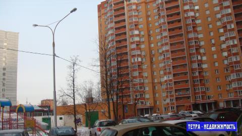 3 комнатная квартира в Троицке , Академическая площадь дом 4