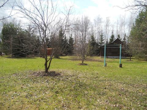 Продается участок земли с дачным домиком-баней.