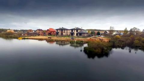 Новый коттедж под ключ на береговой линии озера. Новая Москва.