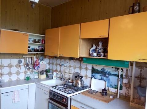 Продается 2-х комнатная квартира, комнаты раздельные, состояние обычно