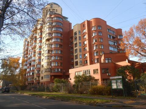 Продается двух-уровневая квартира с отдельным входом