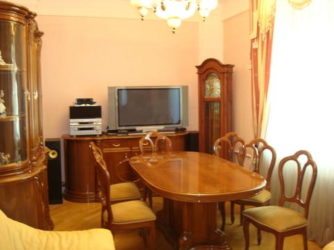 Продаётся 3-х комнатная квартира в сталинском доме на Кутузовском пр-т