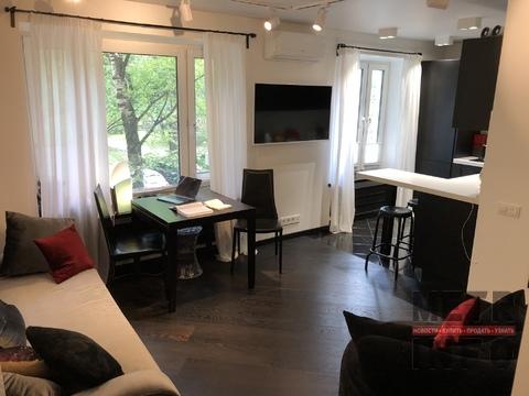 Однокомнатная 53м2, кухня 21м2, спальня 18м2, Нежинская улица 13