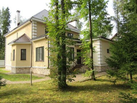 Готовый коттедж с бассейном, Минское ш, 32 км от МКАД, Зелёная Роща-1