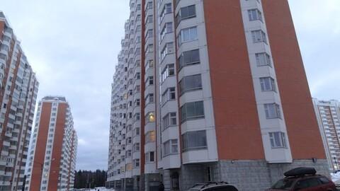 Продам квартиру в Брехово мкр Школьный к.8