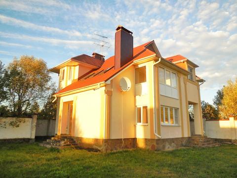 Дом из пеноблоков (192м2) с газом. Беседка. Гараж. Участок 15 соток.