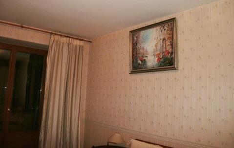 Отличная квартира в сталинском доме в самом экологичном округе .