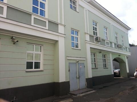 Рядом с Кремлем особняк 2001г постройки