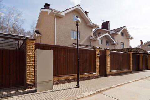 Продается роскошный новый дом в коттеджном поселке «Витязь»