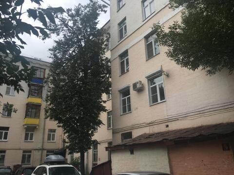 Продаётся 3-х комнатная квартира в сталинском доме.