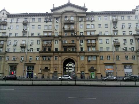 Двухкомнатная квартира в сталинском кирпичном доме