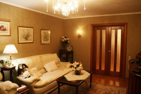 4-комн. с евроремонтом на улице Урицкого, дом 5, кирпичный дом 2002 .