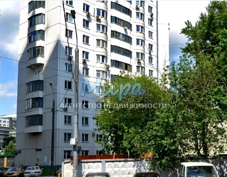 Просторная И светлая квартира с двумя застеклёнными балконами. 15 мин