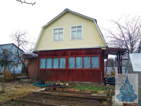 Продается добротный просторный двухэтажный кирпичный дом
