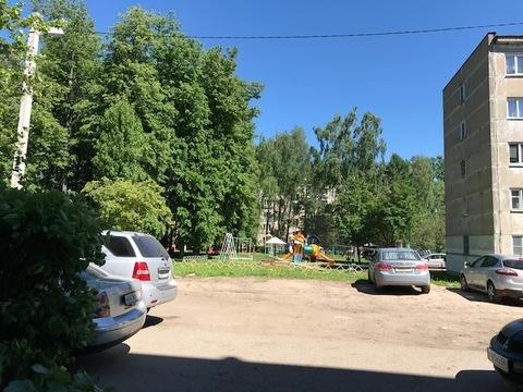 Продается полуторная квартира п. Новосиньково