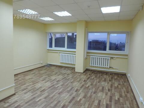 Офис в торгово-офисном центре в 50 метрах от ст